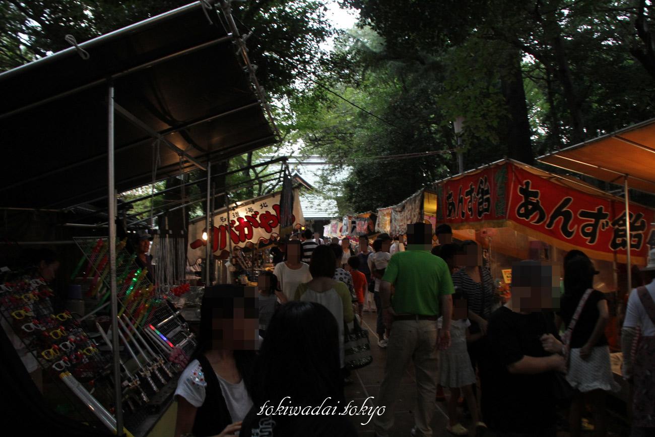 天祖神社。お祭りでの屋台の様子。