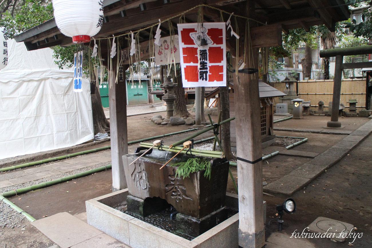 2017年、天祖神社大晦日。雰囲気はお正月です。