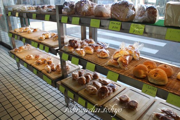 手づくり ケーキ・パン「トキワベーカリー」店内の様子です。