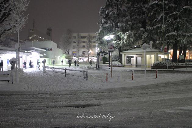 ときわ台駅の雪景色